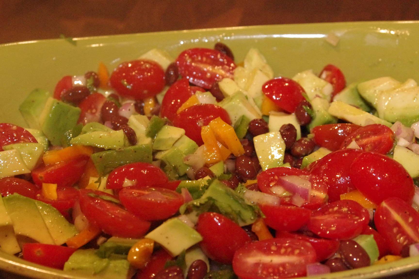 Guacamole Salad ~ So good and pretty.